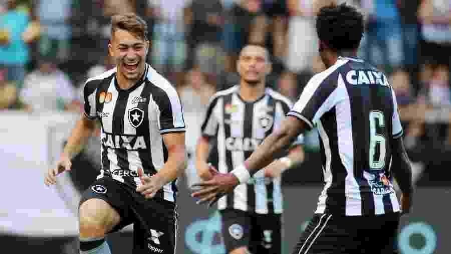 Jean voltou a ser relacionado para partida do Botafogo após ser submetido a uma cirurgia na garganta - REUTERS/Sergio Moraes