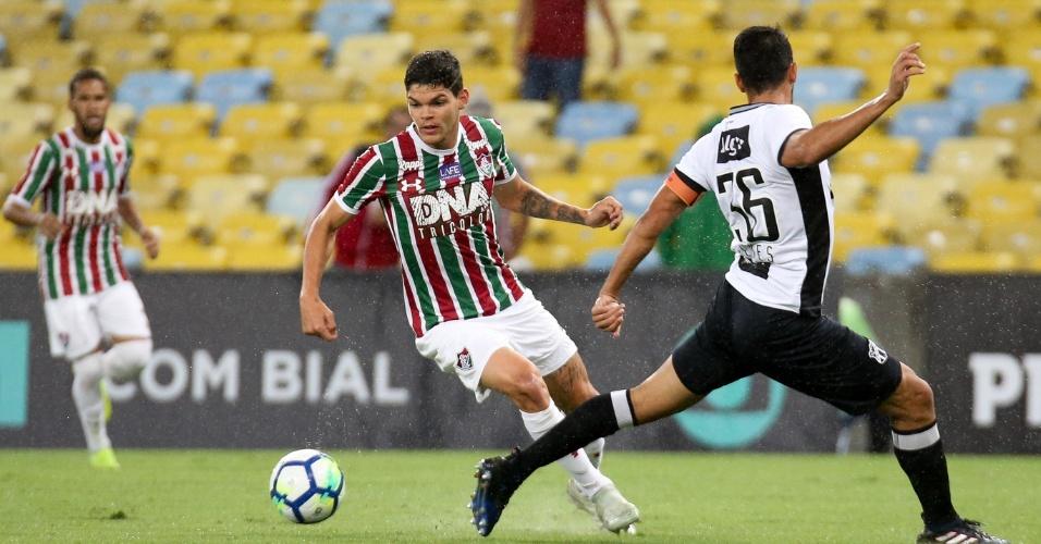 Ayrton Lucas, durante partida entre Fluminense e Ceará