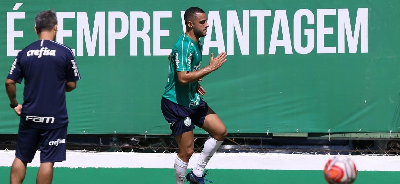 Contratado por R$ 5 milhões, Arthur Cabral não terá chances de jogar 1ª fase do Paulista - Cesar Greco/Ag. Palmeiras/Divulgação