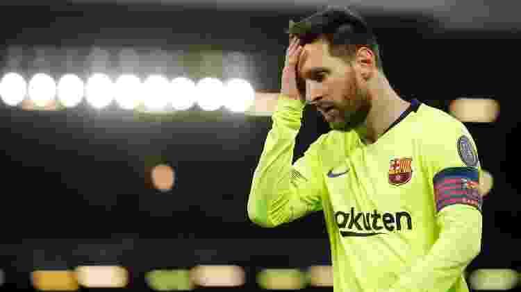 Messi criou boas chances para o Barcelona no primeiro tempo, mas Liverpool foi para o intervalo em vantagem - Phil Noble/Reuters