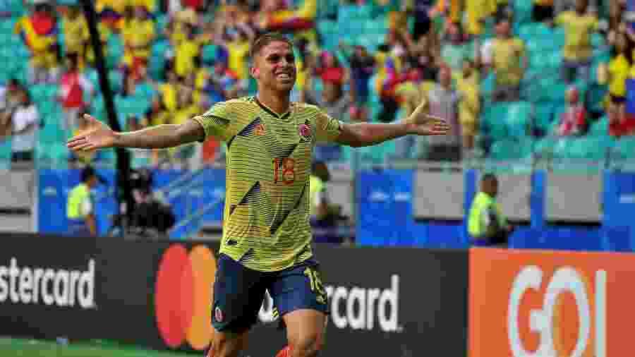 Cuellar, autor do gol da Colômbia contra o Paraguai após jogada de Arias, pela Copa América - Divulgação