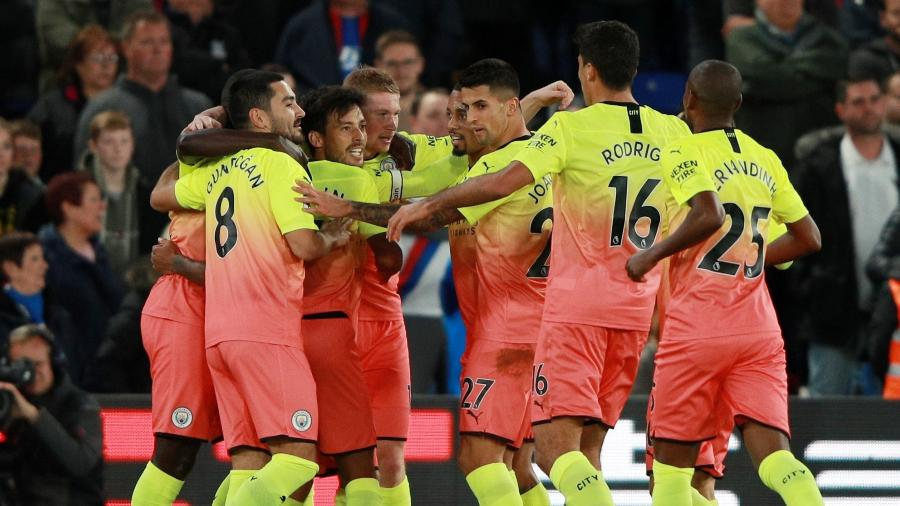 Jogadores do Manchester City comemoram gol sobre o Crystal Palace  - REUTERS/Ian Walton