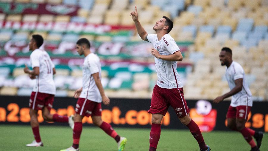 Nino comemora segundo gol do Fluminense contra o Santos - Jorge Rodrigues/AGIF