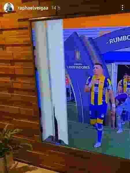 Raphael Veiga quebra televisão na hora do jogo do Palmeiras - Reprodução/Instagram
