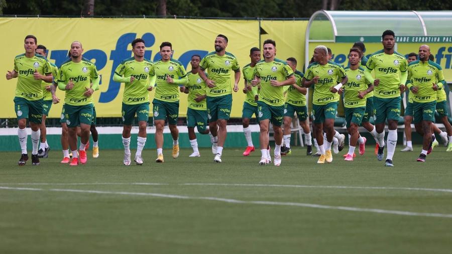 Jogadores do Palmeiras em ação durante treino na Academia de Futebol - Cesar Greco/Palmeiras