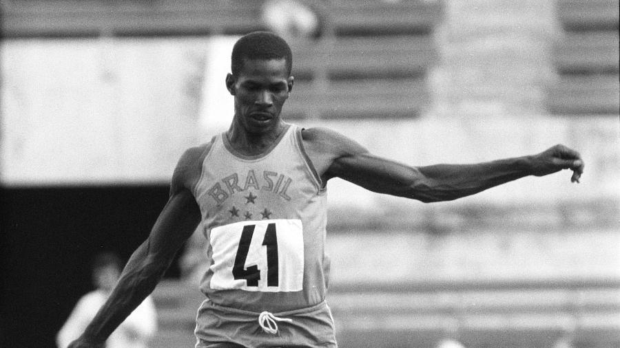 Adhemar Ferreira da Silva, atleta brasileiro do salto triplo bicampeão olímpico - Getty Images