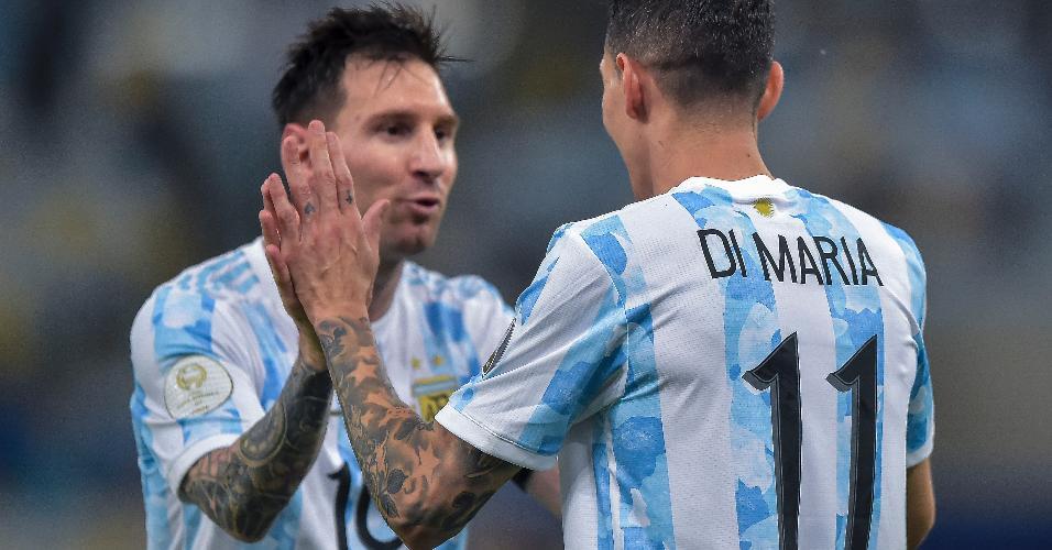 Di María celebra com Messi após abrir o placar para a Argentina na final da Copa América contra o Brasil, no Maracanã