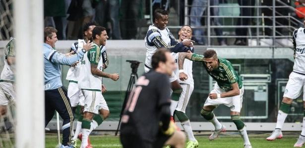 Rogério Ceni lamenta após gol do Palmeiras no clássico da 9ª rodada