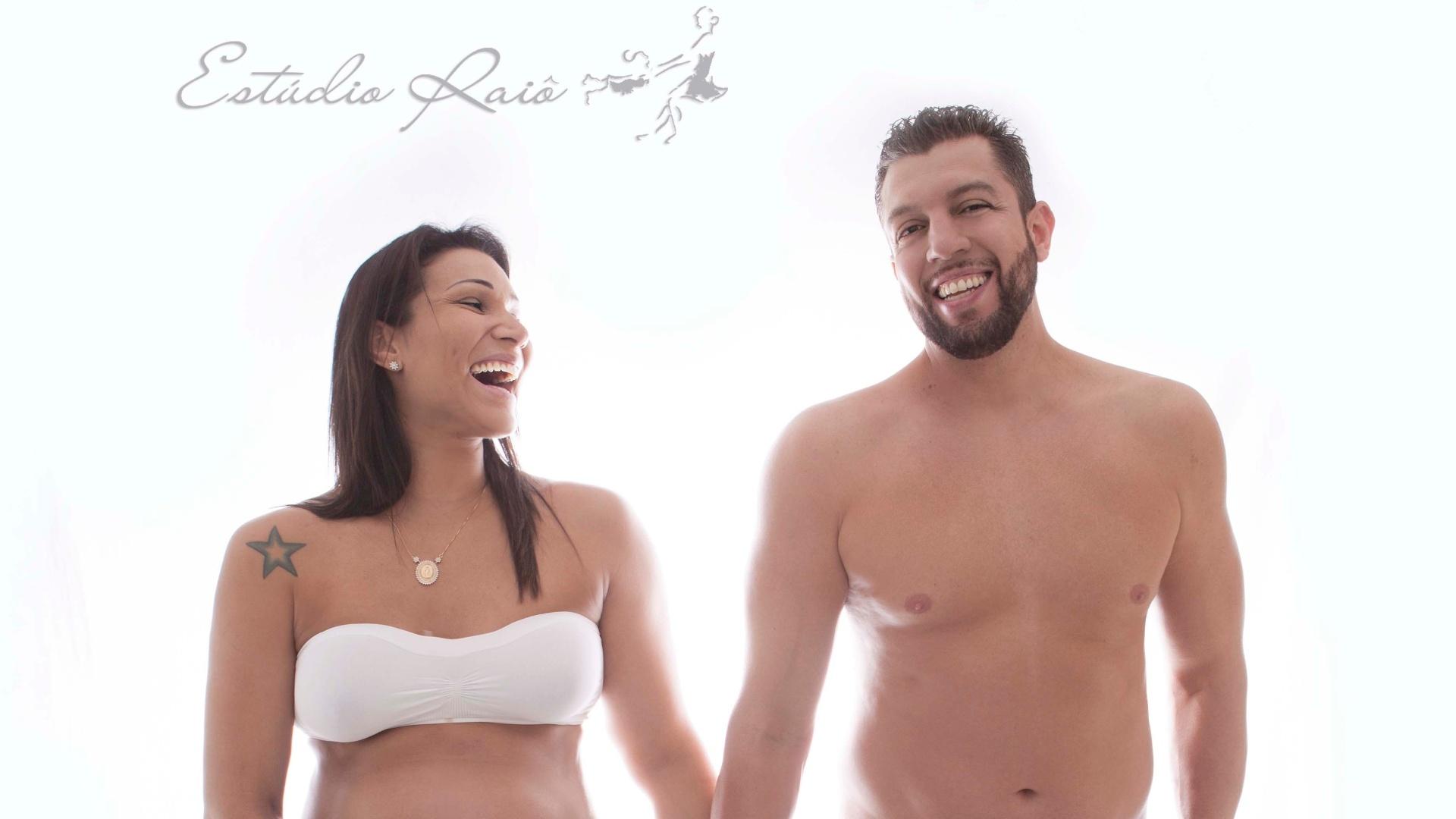 Tandara e o marido Cléber Mineiro, ambos jogadores de vôlei, posam juntos durante a gestação da primeira filha do casal, Maria Clara