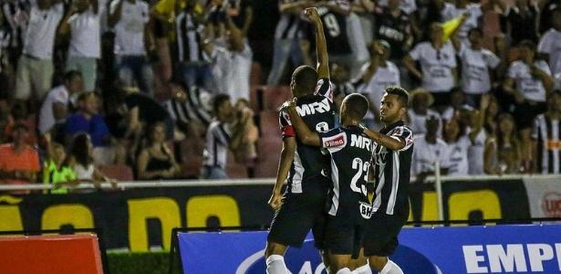 Leonardo Silva comemora o gol da vitória do Atlético-MG sobre o Uberlândia - Bruno Cantini/Clube Atlético Mineiro