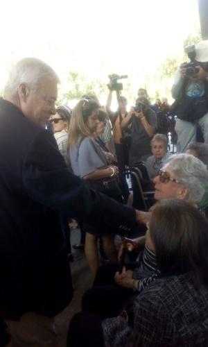 Ricardo Teixeira cumprimenta viúva de João Havelange