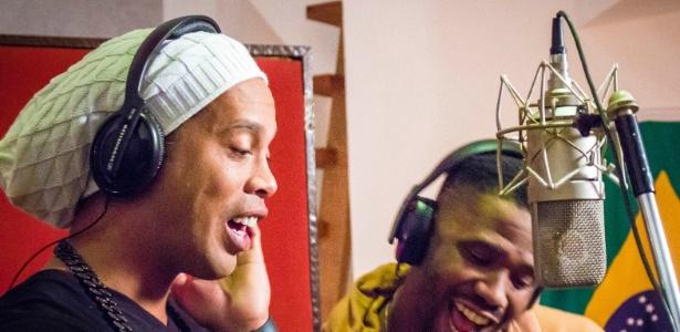 Ronaldinho Gaúcho diz que projetos musicais são opções após o final da carreira