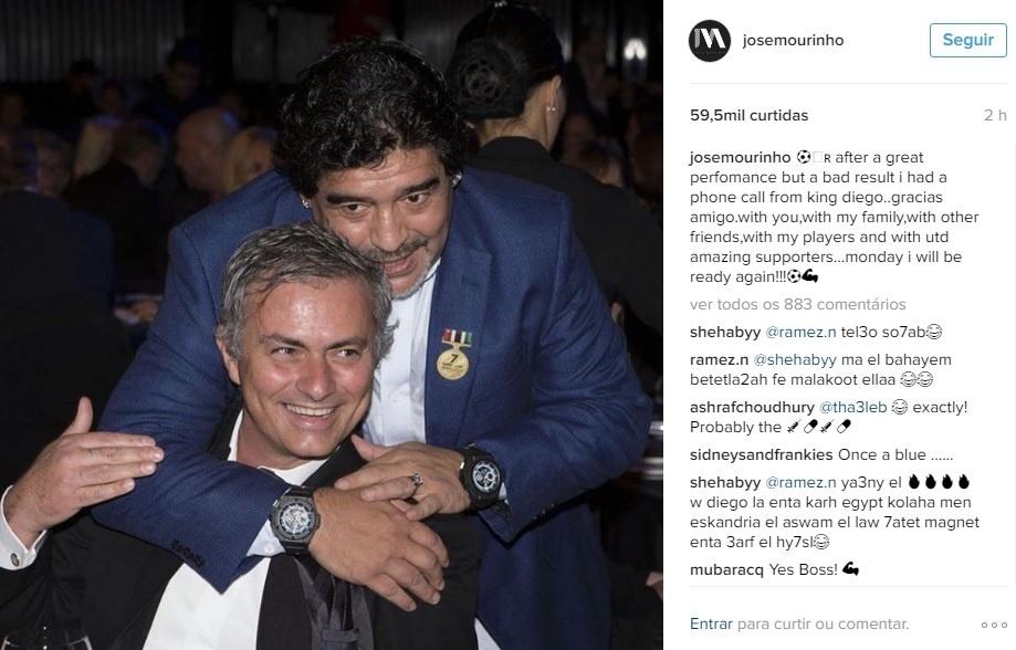 Morinho postou uma foto com Maradona e agradeceu por ligação do craque