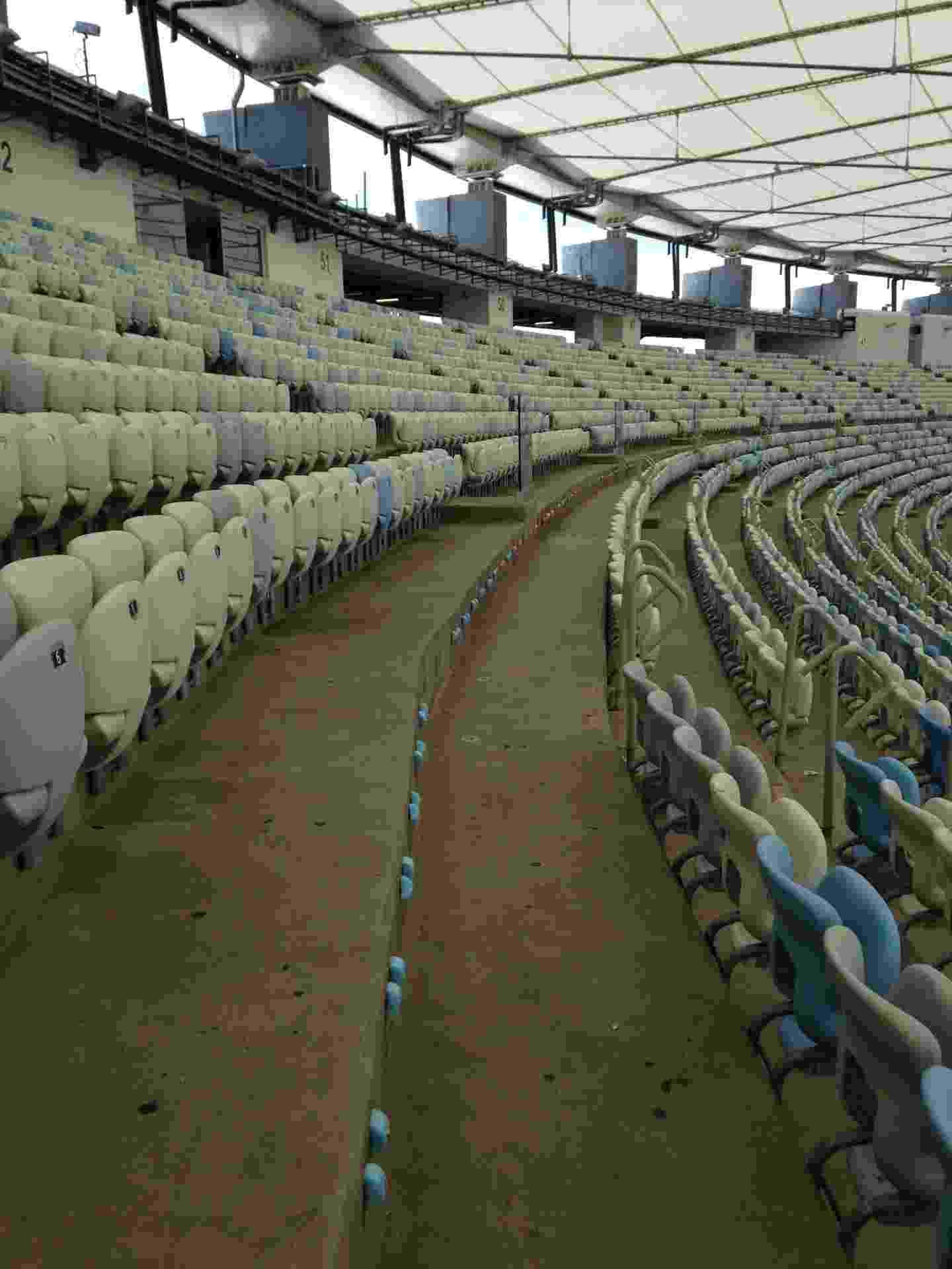 Maracanã ficou sem uma fileira inteira de cadeiras após os Jogos Olímpicos do Rio - Reprodução