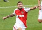 Boschilia marca dois em goleada do Monaco sobre o Lorient - Valery Hache/AFP