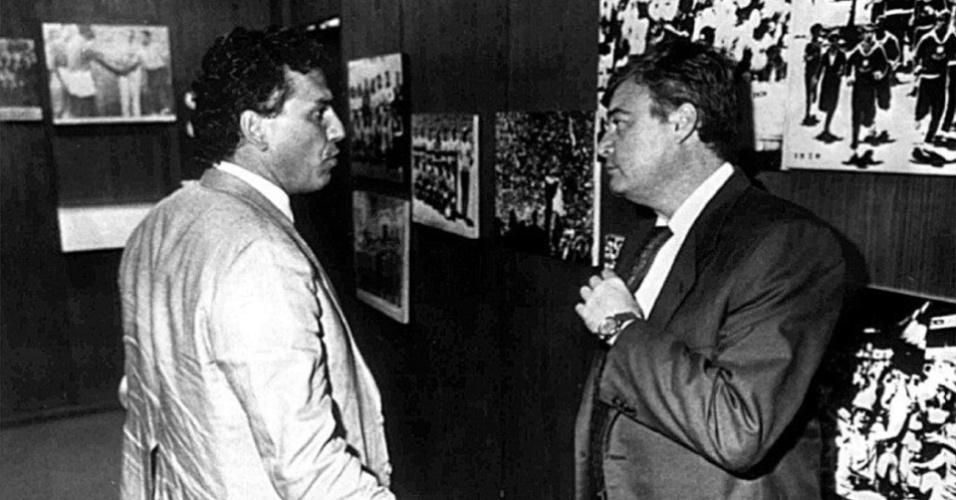 Presidente da CBF, Ricardo Teixeira (à direita), conversa com o técnico Sebastião Lazaroni