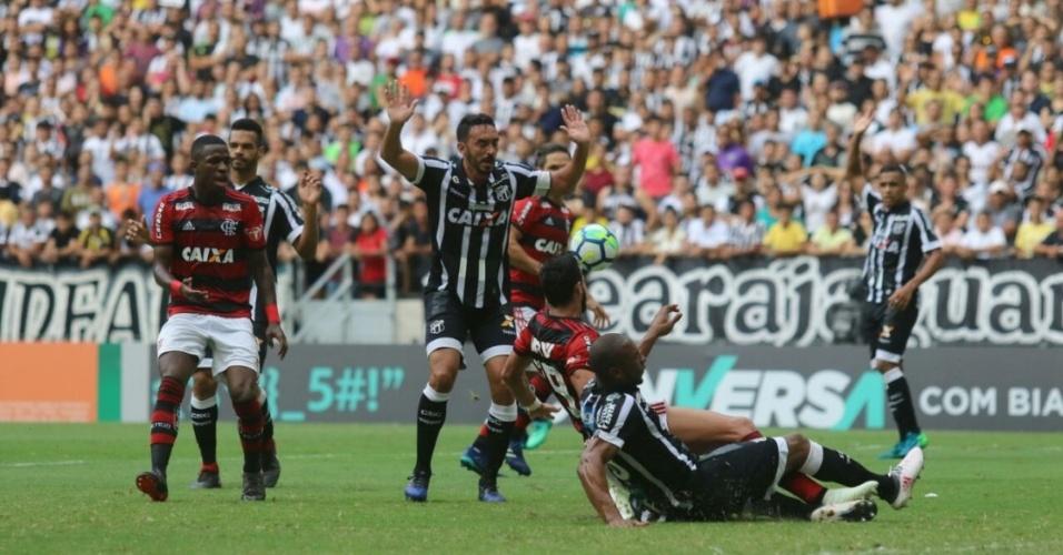 Ceará e Flamengo se enfrentam no Castelão em jogo pelo Campeonato Brasileiro 2018