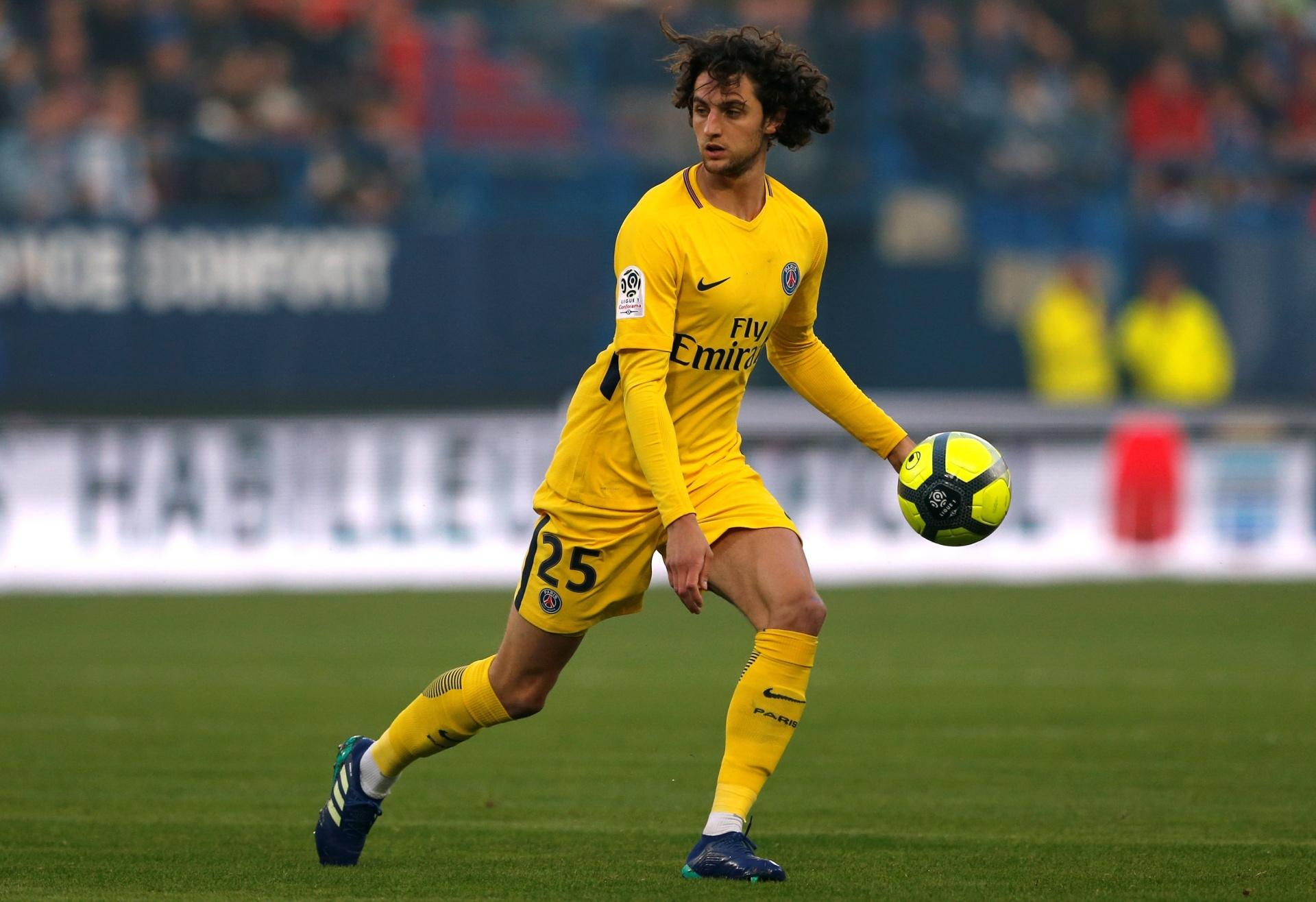 PSG pode liberar Rabiot ao Barcelona se contratar Pjanic 33468b91ddde5