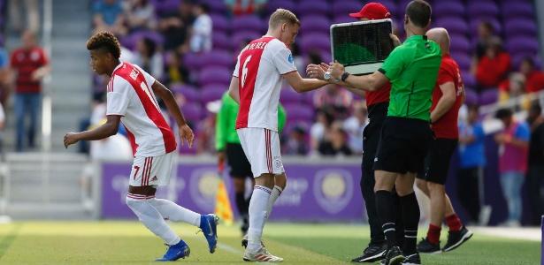 Atacante revelado pelo Tricolor foi acionado no início do segundo tempo no Ajax - Rafael Ribeiro/Florida Cup