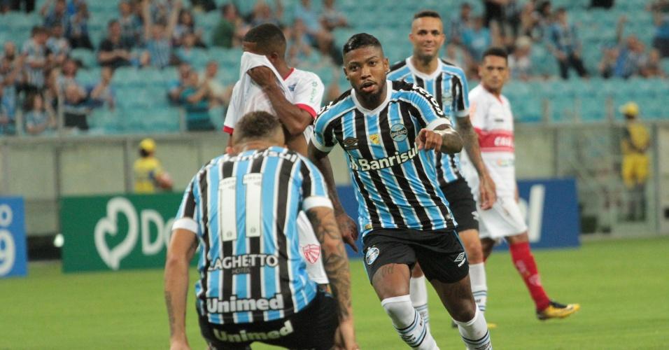 8d424e4ce0 Marinho comemora gol do Grêmio contra o São Luiz