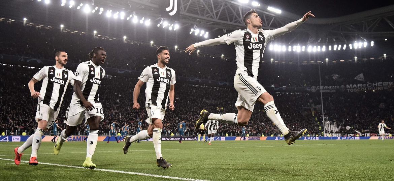 fb48f2b891504 Juventus elimina Atlético com três de Cristiano Ronaldo e pênalti ...
