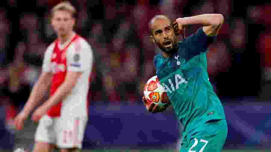Lucas Moura comemora gol para o Tottenham na vitória por 3 a 2 sobre o Ajax pelas semifinais da Liga dos Campeões da Europa - Matthew Childs/Reuters