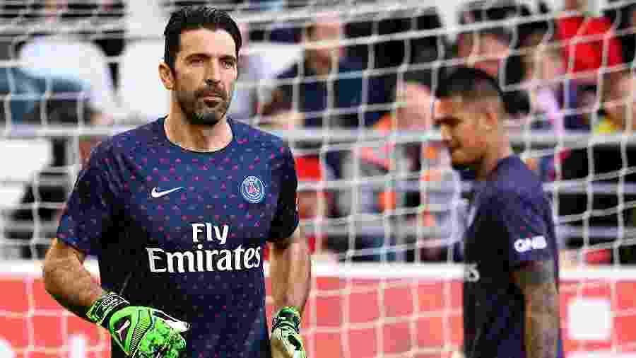 Buffon anunciou, recentemente, que não permanecerá no PSG - FRANCK FIFE / AFP