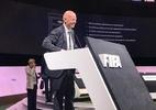 Presidente da Fifa faz viagem relâmpago para ver Brasil x Peru no estádio