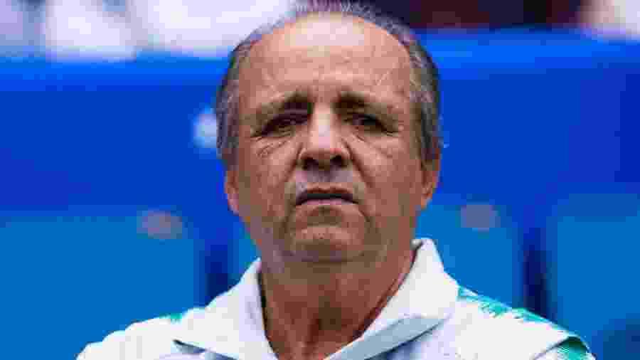 Vadão, técnico da seleção brasileira, antes de duelo com a França pela Copa do Mundo de futebol feminino em 2019 - Marcio Machado/Getty Images