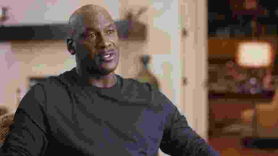 """Michael Jordan se mostrou """"profundamente triste, machucado e nervoso"""" com morte de George Floyd - Divulgação Netflix"""