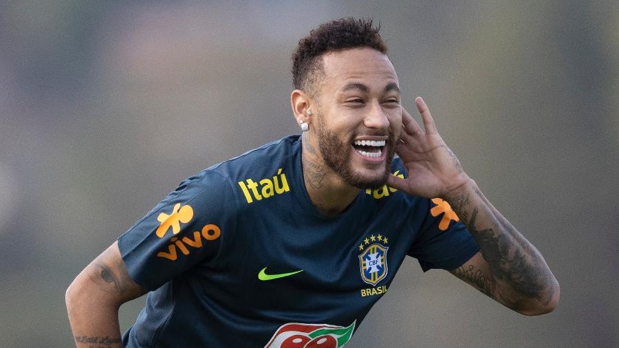 Neymar, atacante da seleção brasileira, durante treino na Granja Comary - Lucas Figueiredo/CBF