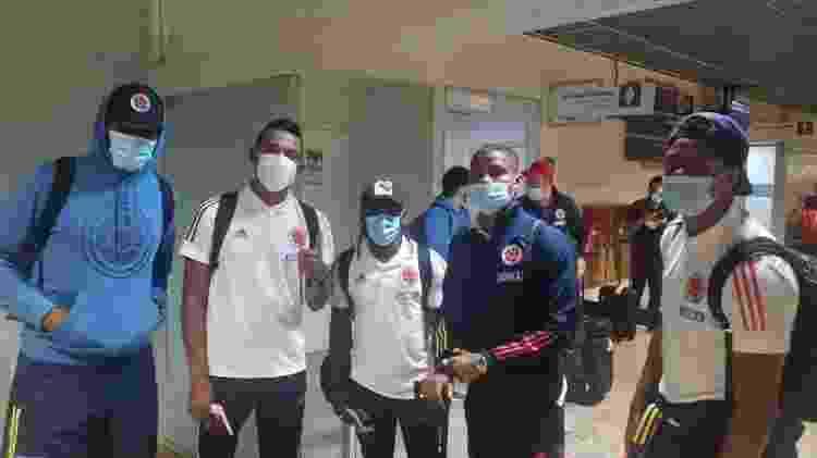 Jogadores da Colômbia no desembarque em Cuiabá, onde enfrentarão o Equador pela Copa América - Divulgação / FCF - Divulgação / FCF