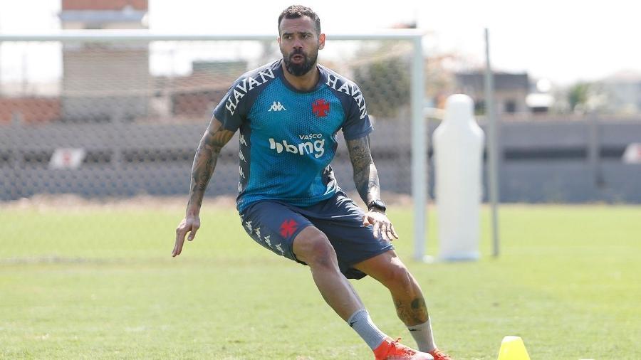 Leandro Castan treina com elenco do Vasco; zagueiro se recupera de problema muscular na coxa direita - Rafael Ribeiro/Vasco.com.br
