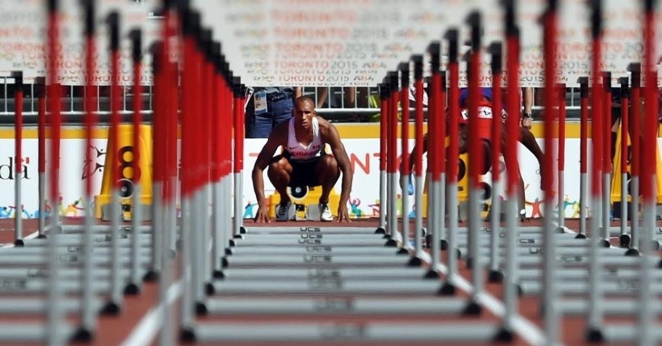 Foto em perspectvia do canadense Damian Warner antes da prova dos 110m com obstáculos do Pan de Toronto