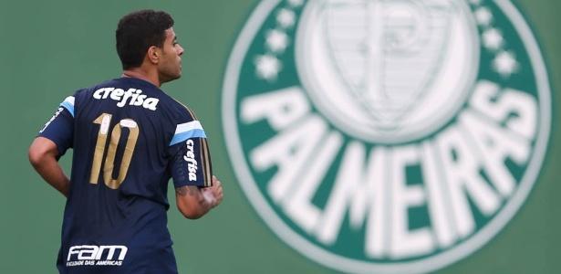 Cleiton Xavier disputou 17 partidas pelo Palmeiras depois do retorno