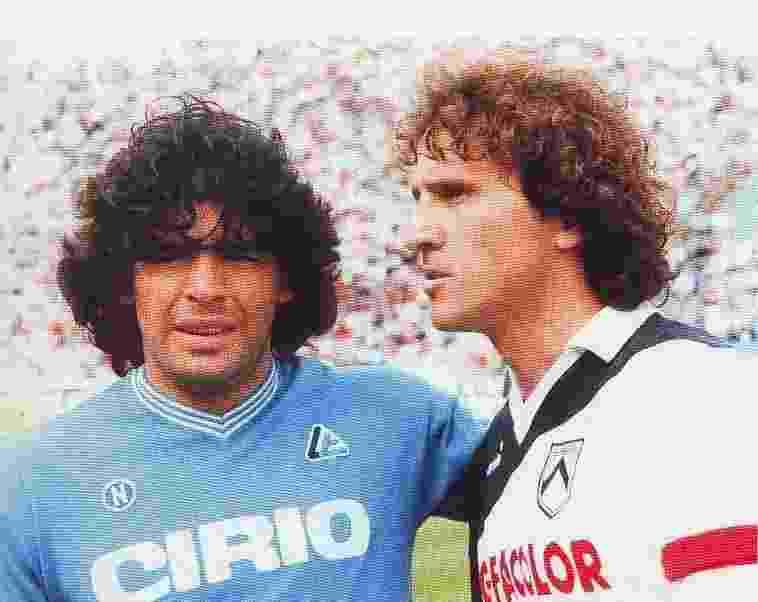 Um encontro de ídolos sul-americanos: Maradona pelo Napoli, Zico pela Udinese - Reprodução