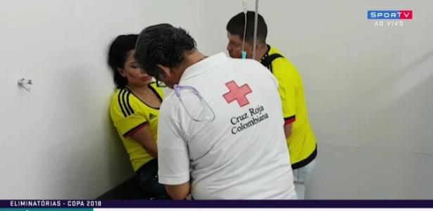 Torcedores são atendidos no ambulatório do Estádio Metropolitano, na Colômbia