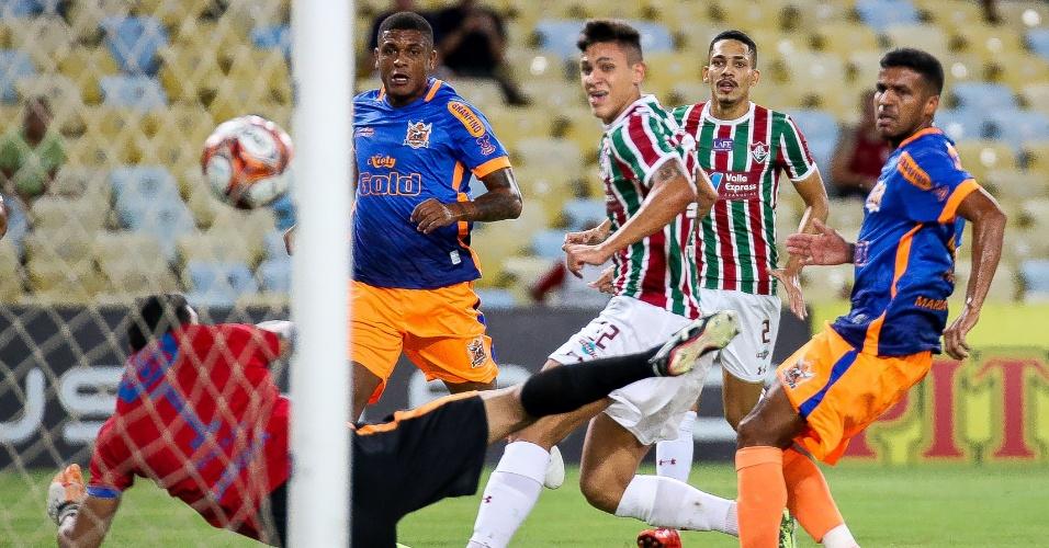 O atacante Pedro marcou o primeiro gol do Fluminense sobre o Nova Iguaçu