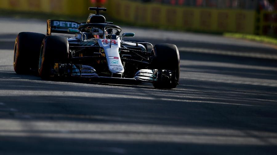 Lewis Hamilton pilota sua Mercedes no GP da Austrália - Charles Coates/Getty Images