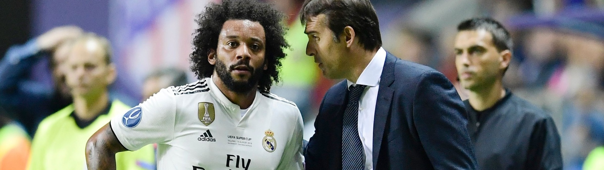 Julen Lopetegui, técnico do Real Madrid, dá instruções ao lateral Marcelo na Supercopa da Europa
