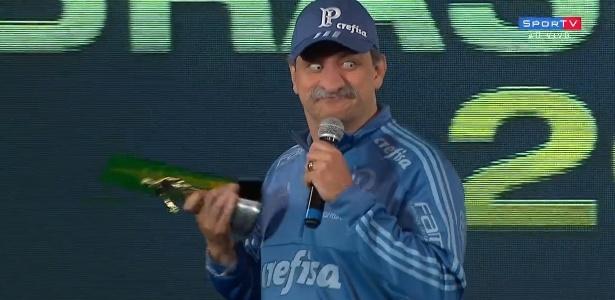 Sem Felipão e com Turra vetado, humorista imitou o treinador em festa da CBF