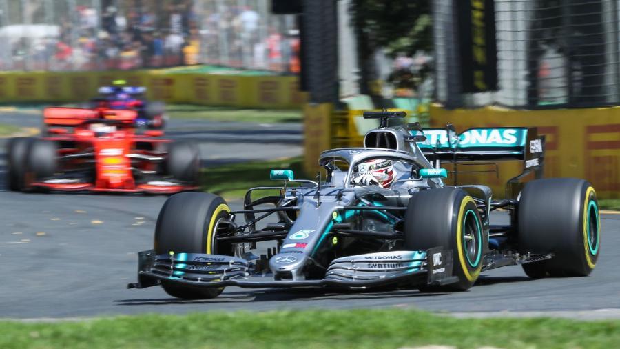 Lewis Hamilton lidera treinos livres em Melbourne  - Asanka Brendon Ratnayake/AFP