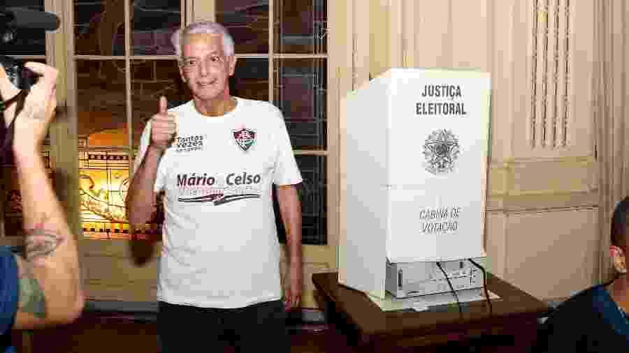 Celso Barros vota durante eleição do Fluminense - Mailson Santana/Fluminense