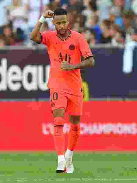 Neymar na comemoração de um gol do PSG - Nicolas Tucat/AFP