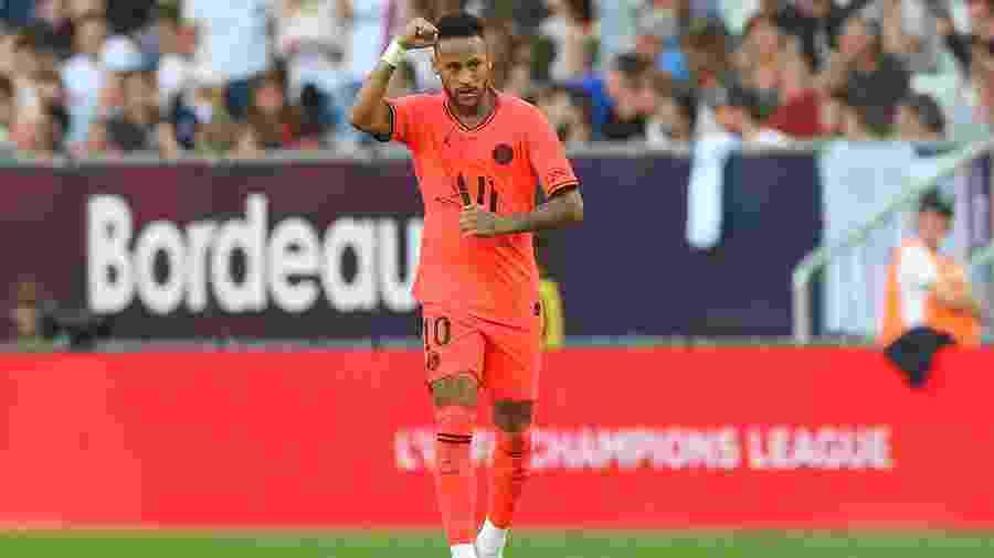 Neymar comemora gol do PSG - Nicolas Tucat/AFP