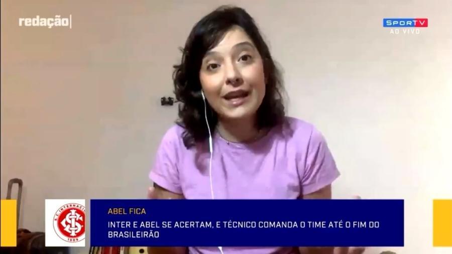 Quadro com imagem da técnica Pia Sundhage caiu atrás de Renata Medeiros durante análise - SporTV/Reprodução