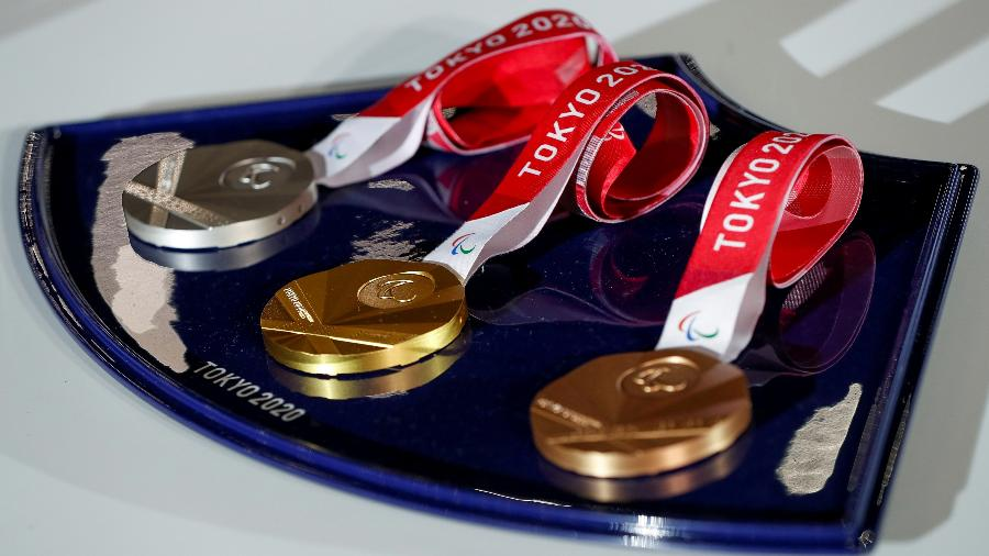 Medalhas que serão distribuídas nas Olimpíadas de Tóquio - ISSEI KATO/REUTERS