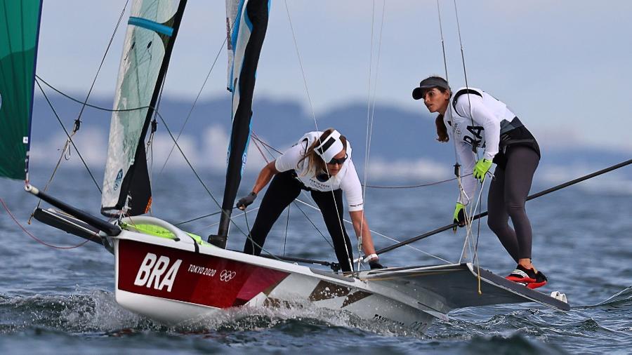Brasileiras Martine Grael e Kahena Kunze em ação nas Olimpíadas de Tóquio - Carlos Barria/Reuters