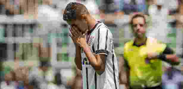 Matheus Pereira lamenta após perder pênalti na final da Copinha - Eduardo Anizelli/Folhapress - Eduardo Anizelli/Folhapress