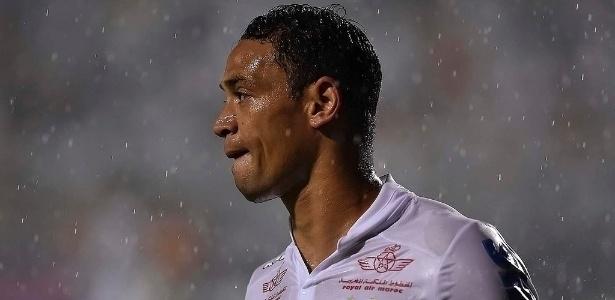 Capitão do Santos, Ricardo Oliveira deixou o campo sem falar com a imprensa